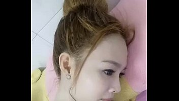 cong chua banh buom vietnam foreign sexy girl show her boob 2
