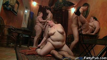 fat girl pornhubmom gets screwed in various positions
