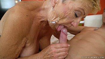 old granny fucks the young mechanic - wwwwwwxxxxxx lusty grandmas