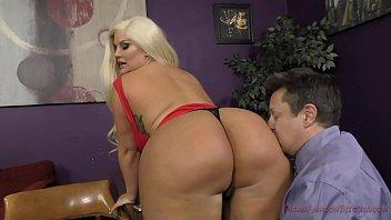 the queen of ass mia khalifa first sex video takes a new slave - julie cash