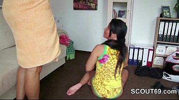 xhamster.com 5779728 mutter fickt ihren stiefsohn im urlaub nach xnxxx vido der dusche 480p