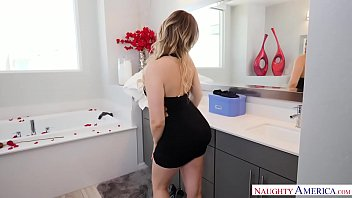 naughty america wife caught in porn vedios the bathtub