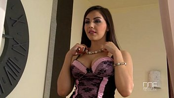 beautiful italian girl xlxxx valentina nappi gets double penetrated by two thieves