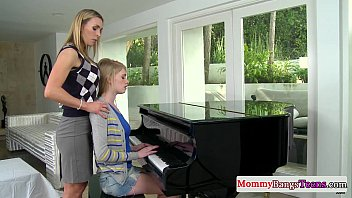musical xxxx2022 mommy swapping cum with stepteen
