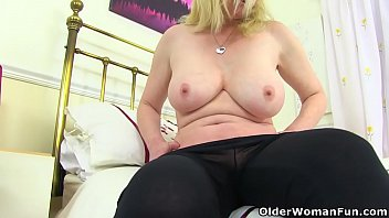 british milf fiona gives her fanny korean naked the attention it needs