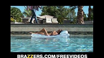 sexy sun bathing asian wife 3gp girls com lana violet fucks her gardener