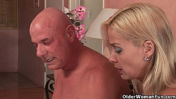 soccer mom payton leigh sex between mother and son gets trashed by fat cock