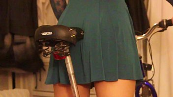 ponography video step daughter learning to ride bike grinds in panties