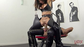 extreme xnxxx squirting and pissing in latex