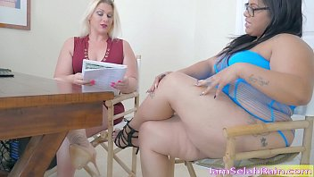 squirt indian gilma queen selah rain vs. queen spit