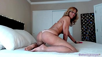 hot milf sexy viedo jessryan camgirl big ass shaking mom