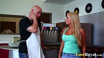 busty blonde mariah madysinn takes sexso a big one