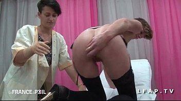 nacked sex ffm cougar a son cul plugge chez le gyneco