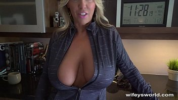 wifey swallows www mygf a huge cum shot after workout