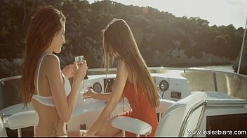 gorgeous lesbians sexy19net know how to love