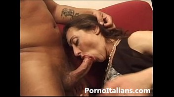 moglie infedele italiana vogliosa xxxxsex di cazzo - italian cheating wife cock craving