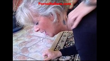 naughty america sex movie granny blond hot - vecchia bionda molto troia succhia cazzo