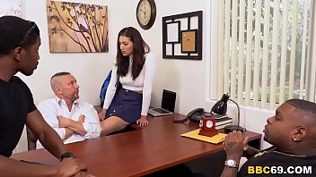 daughter women fucked by men fixes daddy s problem - bella rolland