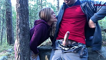 sucked a chut marne ka tarika stranger in the woods to help her - public sex