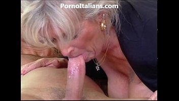 milf blonde gets beat by muscled stud and features naked ass - milf di fa scopare dotato