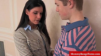 mamma boy taking out girl dress cougar shares cum with stepteen