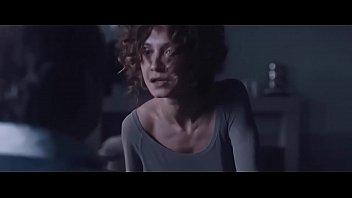 ece dizdar sevisme sahnesi - wwwxxx cam cekmeceler filmi