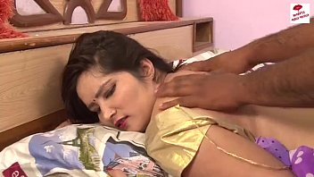 hot akeli bhabhi show her dee williams xander body mast masaj scenes hot short movie -