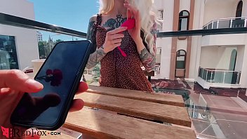 sexy blonde play pussy sex toy in the www sex move com public cafe