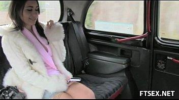 hottie sucks and all heroine sexy fucks in taxi
