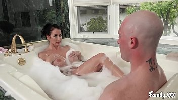 big tits stepmom reagan foxx fucks her stepson xvifdeos in the bathtub