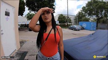 roadside - sunny leone sex gif stranded latina teen fucks horny mechanic