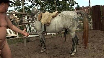 orsay gutter uncensor peed in farm 2