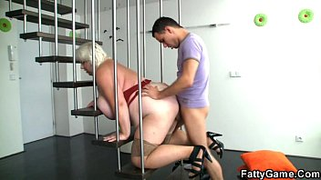 blonde fatty fucks stepmom gets soaked a photographer