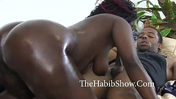 thick n sexey girls juicy mocha fucked by bf in her momma bed