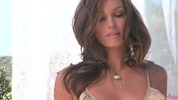 www.dearsx.com - heather beautiful naked woman vandereven rubs her pussy