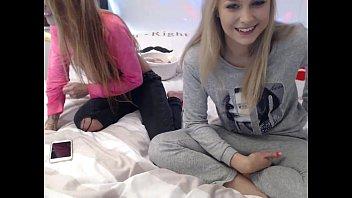 stepsisters xxx vidioes having sex free girls on chats4free.com