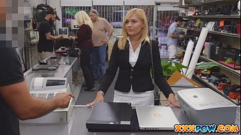 sexy sunny lione sexy vidio milf banged and moans loud in pawn shop