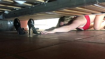 stepmom stuck under the bed gets creampie xxx gril from stepson - erin electra