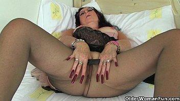 britain sleeping daughter sex s sexiest milfs part 30