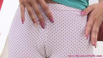 puffy livesex com peach redhead using dildo close up