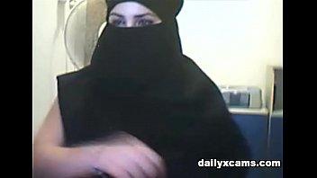 turkish women shows their england xx video big tits