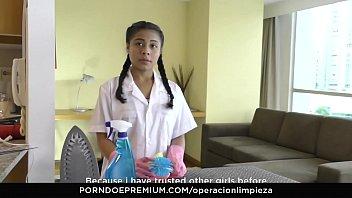 mamacitaz - xx sexy maria antonia alzate - latina maid eating pussy on duty