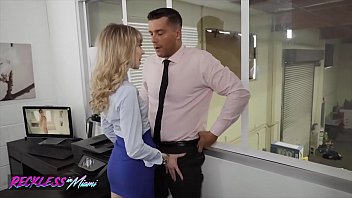 sexy mackenzie moss calls the repair guy to fix her pc problem - web xxx in reckless in miami