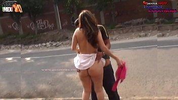 la sorprenden teniendo sexo en la calle y escapa 3gplive de la policia la puta de mexico danna hot