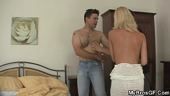 husband catches www xnxx vedios com cheating girlfriend with lover