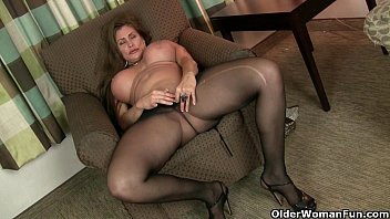 american milfs sheila and porn vidieo lacy get turned on by pantyhose