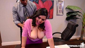bbw latina office slut gets fucked by new sexxy video boss on desk