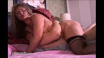kelly leigh squirts on bf movie loading a cock blonde cumshot hardcore mature milf
