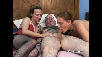 swinging mariah in a threesome very very very hot girls with petite anna
