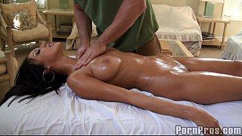 busty brunette xxx vediyo oily massage